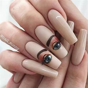 Nail Art Printemps 2018 : blinking eyeball nails instagram trend popsugar beauty ~ Dode.kayakingforconservation.com Idées de Décoration
