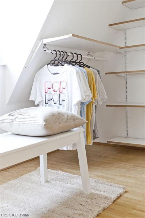 Ideen Für Ankleidezimmer Mit Schräge by Die Besten 25 Schrank Dachschr 228 Ge Ideen Auf