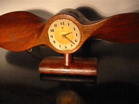 Telechron Propeller Electric Mahogany Mantle Clock Circa
