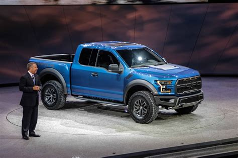 2017 Ford F 150 Raptor First Look Photo Gallery Motor Trend