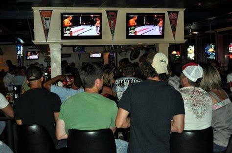 Backyard Sports Bar & Grill