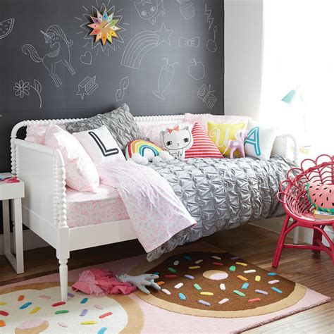 cute bedroom decorating ideas  modern girls