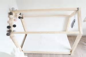 Cabane Bois Pas Cher : le fameux lit maison en bois pas cher club mamans ~ Melissatoandfro.com Idées de Décoration
