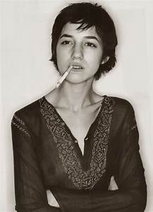 Charlotte Gainsbourg Cheveux Courts : 17 best images about women on pinterest helen keller lisa bonet and donna summers ~ Dode.kayakingforconservation.com Idées de Décoration