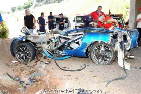 worst bugatti crashes the 10 worst high speed car crashes wreckedexotics com