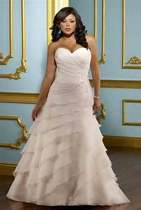 plus size wedding dress wedding gown for the full figured With flattering wedding dresses for curvy women