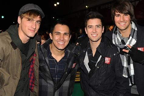 Big time rush is an american pop music boy band formed in 2009. Big Time Rush, 'Boyfriend' Feat. Snoop Dogg - Song Spotlight
