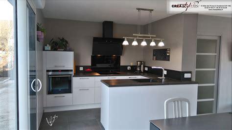 hotte de cuisine blanche photos de cuisines réalisées sur mesures et installées sur