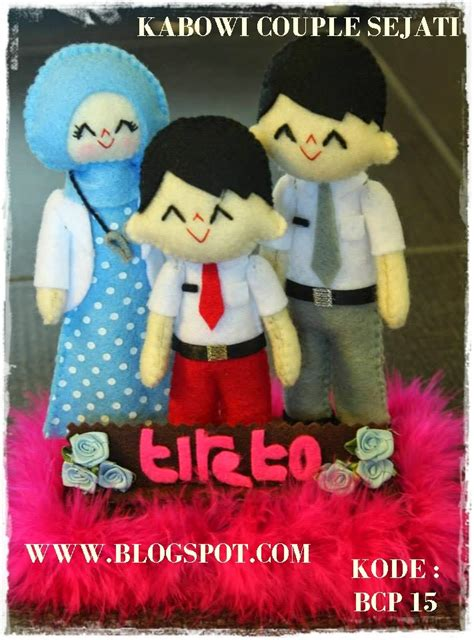 kado wisuda hadiah animasi unik boneka couple jual flanel harga  pacar ultah kebaya