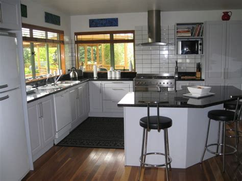 kitchen ideas white appliances 2010 kitchen and bath styles