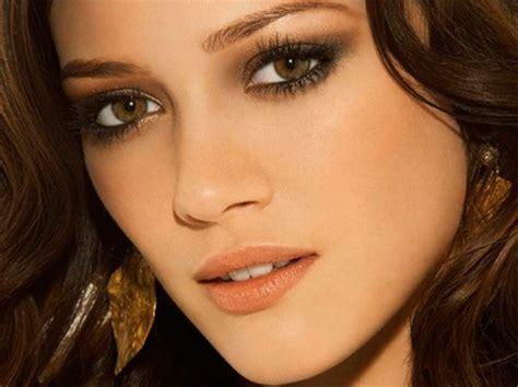 Правильный макияж для маленьких карих зеленых и голубых глаз