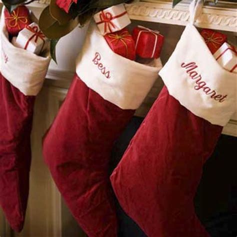 stocking stuffers traditional holiday decorating ideas