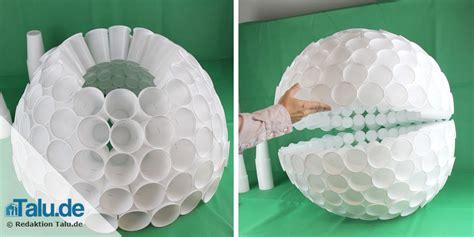 schneemann aus plastikbechern anleitung becher schneemann basteln dansenfeesten