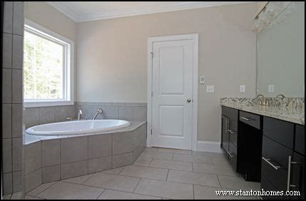 sherwin williams paint color versatile gray pin by touchi on for the home