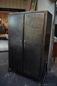 Armoire Industrielle Vintage : armoire industrielle par le marchand d 39 oublis ~ Teatrodelosmanantiales.com Idées de Décoration