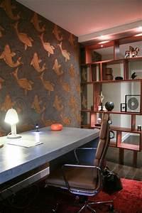 Un bureau inspire des cabinets de curiosite for Kitchen cabinets lowes with papier peint journal