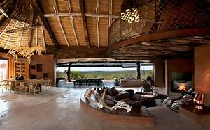 South african villa with cave like interiors and observatory for Interior decorators zà rich
