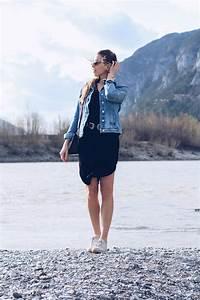 Kleid Mit Jeansjacke : jeansjacke und schwarzes kleid teure kleider 2018 ~ Frokenaadalensverden.com Haus und Dekorationen