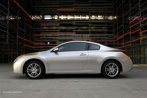 nissan altima coupe specs