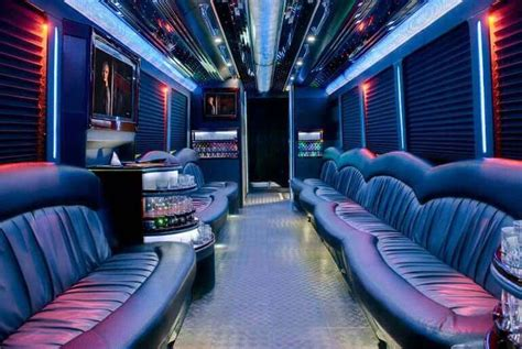 Limozin Car For Rent by With Bathroom Limo With A Restroom Near Me