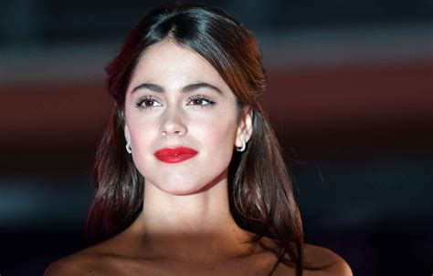 martina stoessel wallpapers images  pictures backgrounds