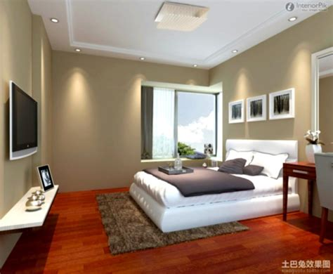 Simple Bedroom Decorating Ideas by Simple Master Bedroom Designs As Simple Bedroom Decorating