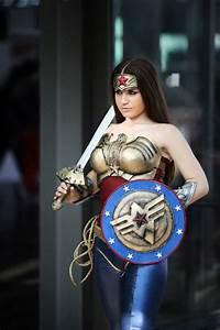 Wonder Woman Injustice :) by joulii91 on DeviantArt