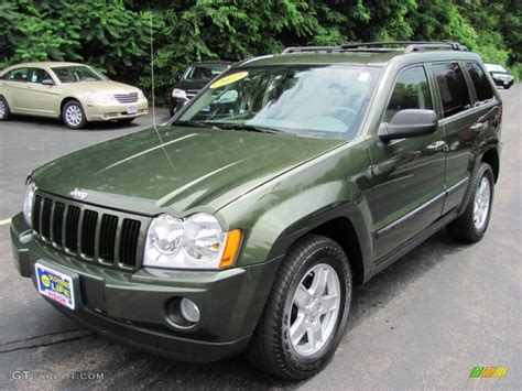 2007 jeep green metallic jeep grand laredo 4x4 32054671 gtcarlot car color