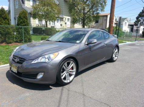 Sell Used 2011 Hyundai Genesis Coupe 3.8 Track Coupe 2