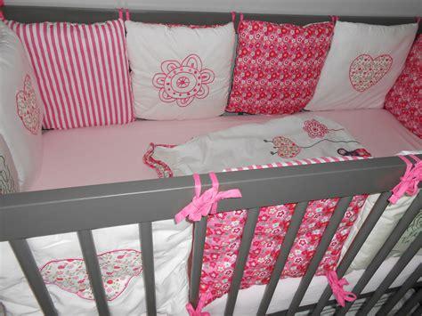 chambre liberty deco chambre bebe fille gris