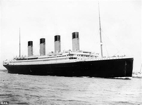 Titanic Boats Went Back by Titanic Pictures From 1912 Poignant Photos From The