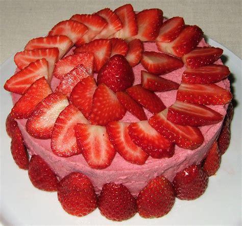 jeux de aux fraises cuisine gateaux gâteau mousseux aux fraises ma cuisine santé