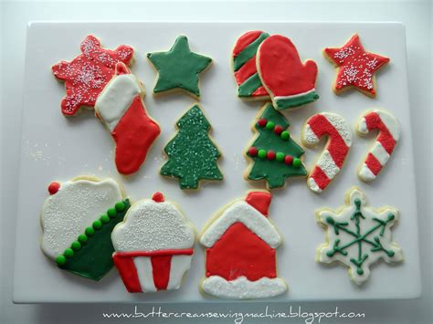 All that really matters is the fact that you took the time to. Buttercream and a Sewing Machine: Decorating Christmas Cookies