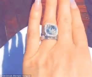 kim zolciak praises husband kroy while flashing diamond With kroy biermann wedding ring