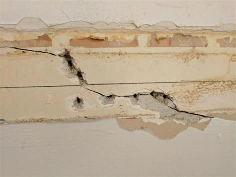 damaged drywall   fix   compound