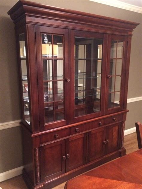 how to decorate a china cabinet help me with my dining room including how to decorate