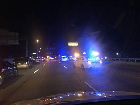 accident    shuts   lanes saturday night