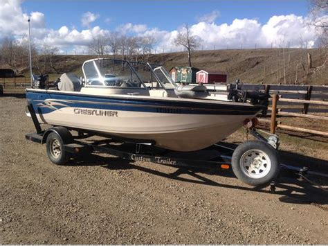 Boat Ladder Calgary by 2002 16 1 2 Ft Crestliner Hawk 1600 Outside