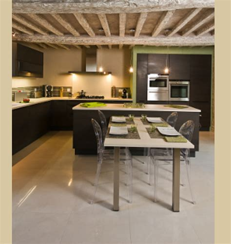 chambre et taupe cuisine americaine table