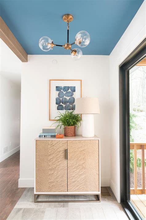 entry mudroom pictures  diy network ultimate retreat