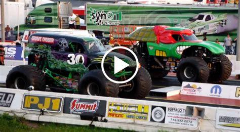 videos of monster trucks racing youtube monster trucks racing 28 images 100 bigfoot