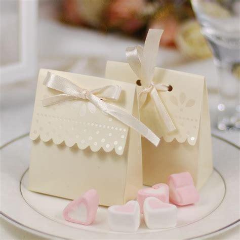 scalloped edge ivory candy boxes elegant wedding favors