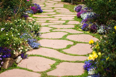 15 Eyecatching Garden Path Ideas With Stepping Stones