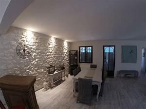 Mur En Pierre Interieur Moderne : cuisine moderne avec mur en pierre decoration interieur avec idee deco pierre de parement ~ Melissatoandfro.com Idées de Décoration
