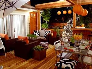 Color trends decorating with orange diy for Outdoor living decor