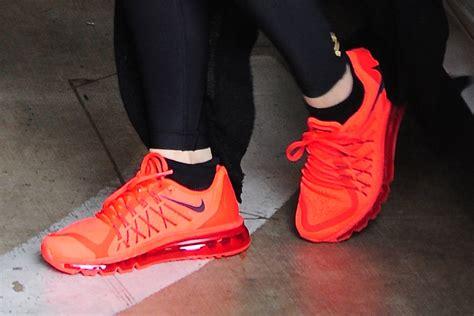 Khloe Kardashian's Gym Sneakers Style [PHOTOS] – Footwear News