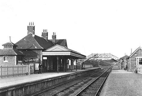 footbridge history friends  alton station alton