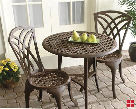 lavish lawn furniture