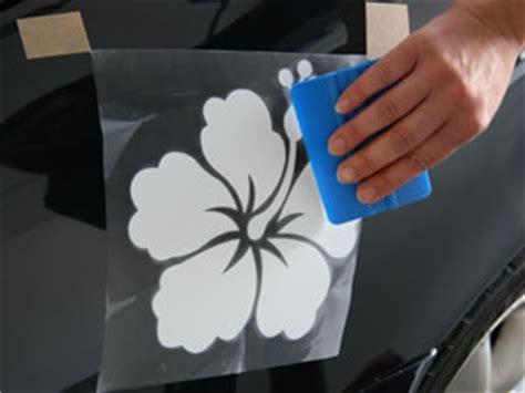 auto aufkleber entfernen autoaufkleber aufkleben anleitung zum verkleben der auto aufkleber