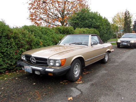 It drives excellent, the interior is like new, even the dash has no cracks and it comes with a nice. Seattle's Classics: 1984 Mercedes-Benz 380SL Roadster